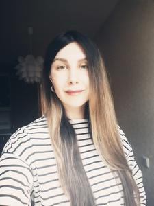 Anna,39-3