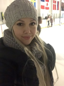 Elena,35-9