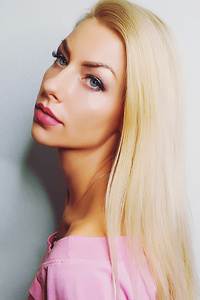 Laura,37-2
