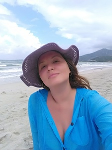 Julia,42-4