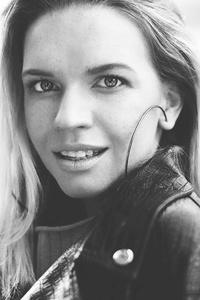 Kate,31-1