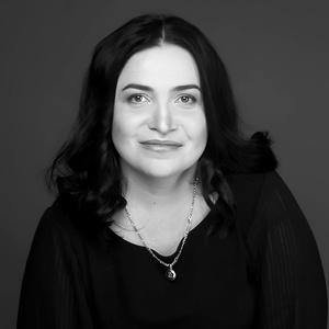 Julia,44-2