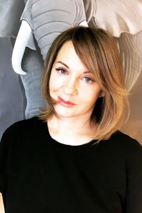 Anna,51-1