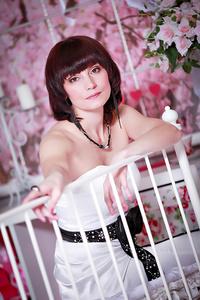 Elena,48-2