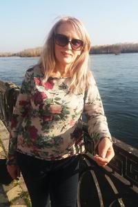 Valentina,52-1