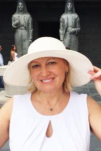 Irina,57-1
