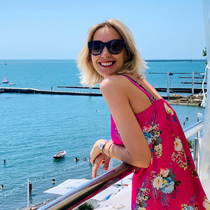 69c2814a6 Cute Russian and Ukrainian Women of 25-48 years Old with Blonde Hair - Two  Kids