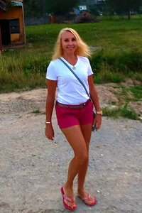 Larissa,54-2
