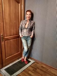 Elena,48-5