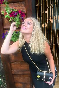 Alina,36-1