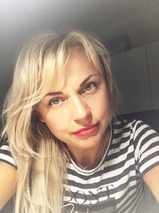 Elena,52-2
