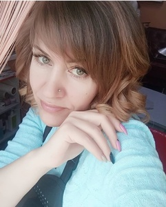 Anna,44-5