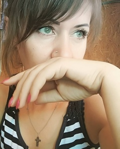 Anna,44-4
