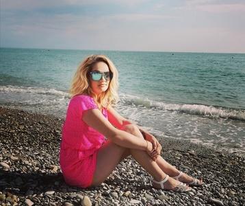 Irina,44-11