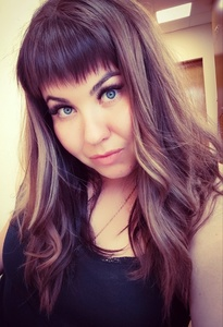 Elena,25-4
