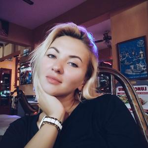 Zarina,39-2