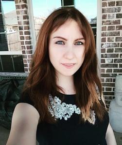 Elena,42-15