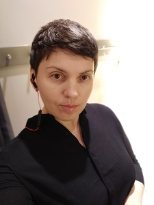 Anna,43-6