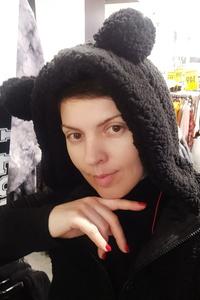 Anna,43-1