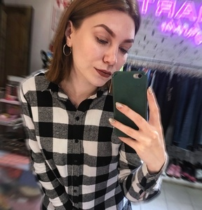 Anna,25-6