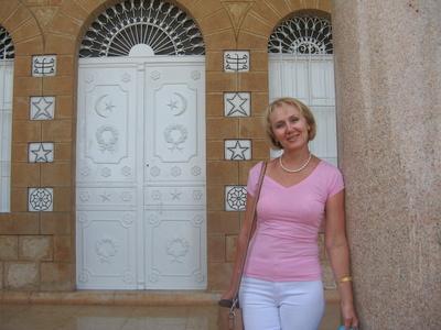 Valentina,54-8