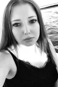 Lia,24-1
