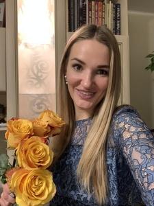 Anna,32-9