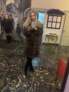 Anna,32-6