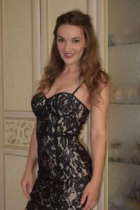 Anna,32-2