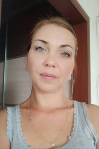 Alena,44-1