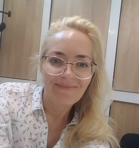 Kate,51-4