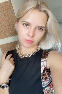 Maryna,34-1