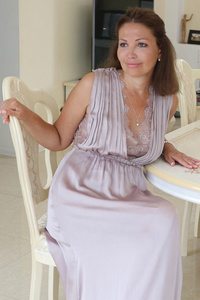 Selena,43-1