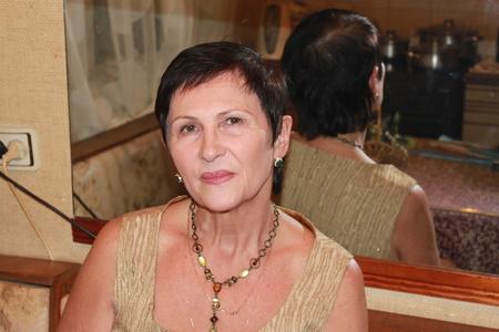 Irina,65-5